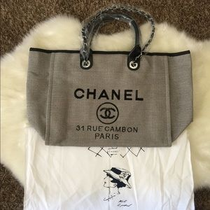 Chanel rue shopping tote bag
